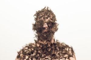autoportrait cheveux Je suis un support Fabrice Leroux